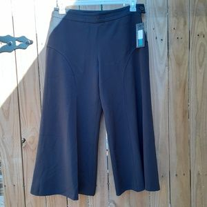 Thalian Wide Leg Capri Pants NWT